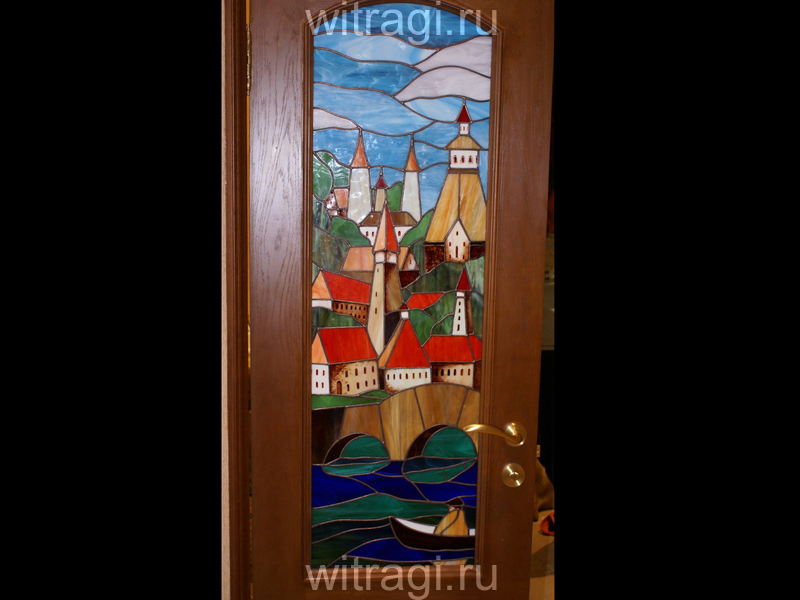 Витраж Тиффани: Витраж в двери «Мост через Влтаву»