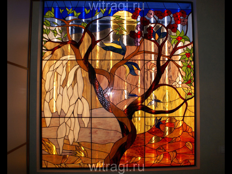 Витраж Тиффани: Оконный витраж «Древо жизни» со стилизованным рисунком