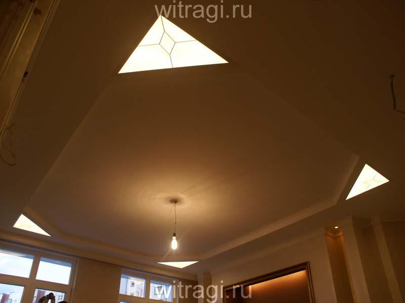 Пленочный витраж: Украшение углов потолка «Строгая классика»