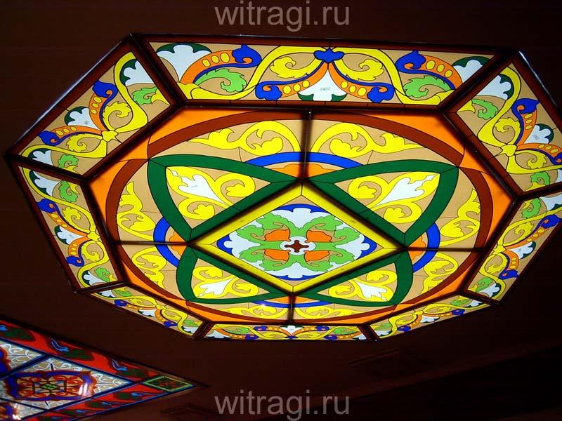 Пленочный витраж: Витраж в готическом стиле на потолок