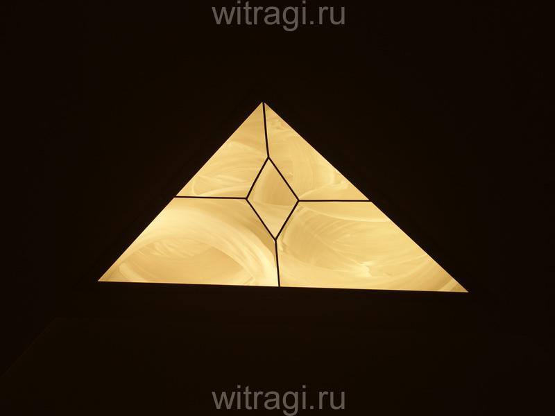 Пленочный витраж: Витраж на потолок с классическим рисунком «Строгая классика»