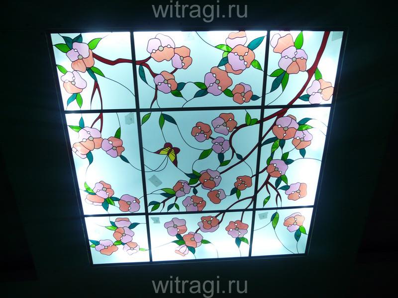 Пленочный витраж: Потолочные витраж с растительным орнаментом «Цветущая вишня»