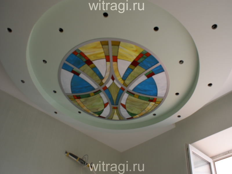 Витраж Тиффани: Круговой витраж на потолок «Абстракция Весна»
