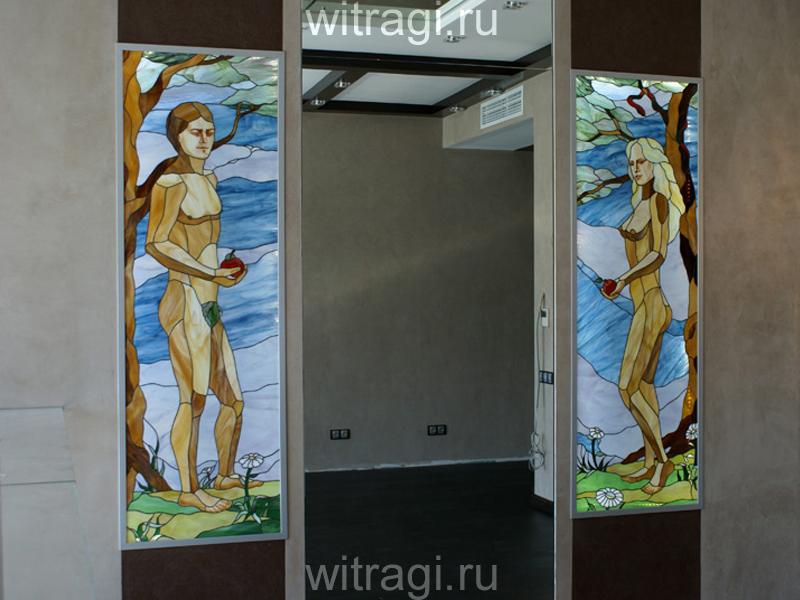 Витраж Тиффани: Витражный диптих «Адам и Ева» с подсветкой по бокам дверного проёма