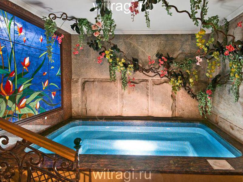 Витраж Тиффани: Витраж на стену в бассейне